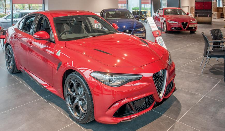 alpha romeo red giulia
