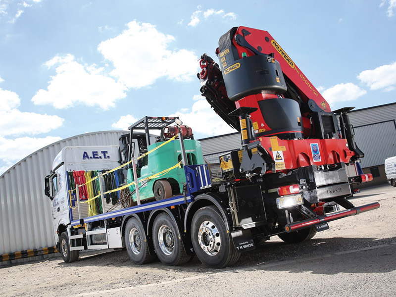 Palfinger UK helps AET reach new heights with Mercedes-Benz