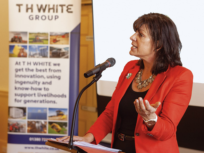 MINISTER LAUNCHES SUSTAINABLE BUSINESS CONFERENCE