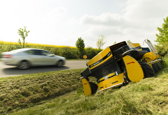 Machinery Imports Spider ILD02 robotic slope mower