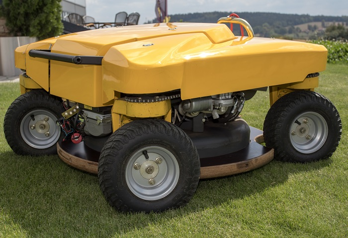Machinery Imports Spider X Line slope mower