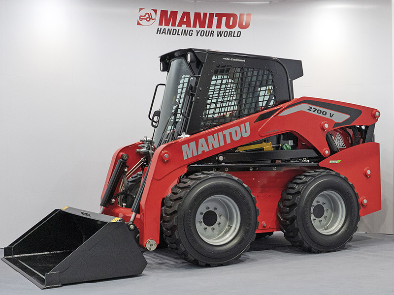 Manitou 2700V skid Steer loader