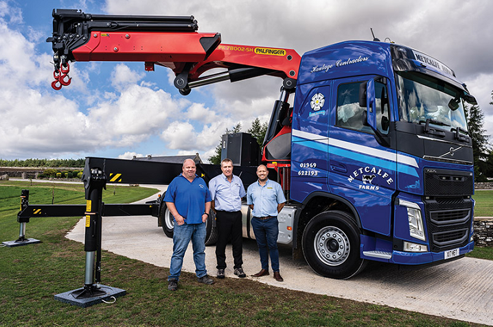 Palfinger UK team with Metcalfe Farms new truck