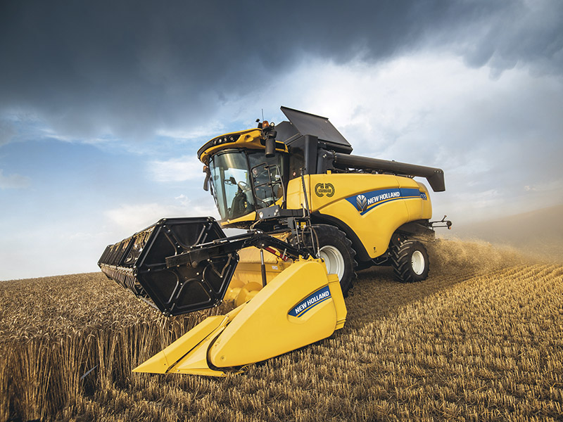 CROSSOVER HARVESTING: THE NEW HOLLAND CH7.70