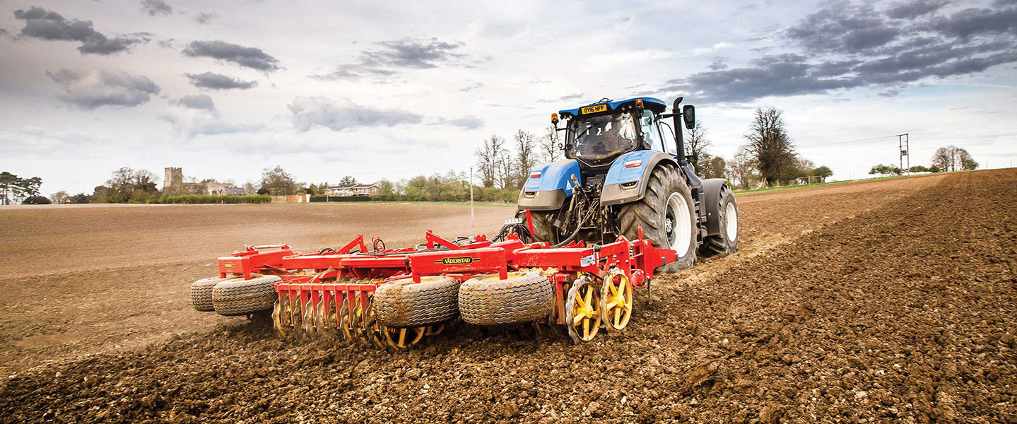 REXIUS TWIN: PLOUGHED GROUND TO SEEDBED IN ONE PASS