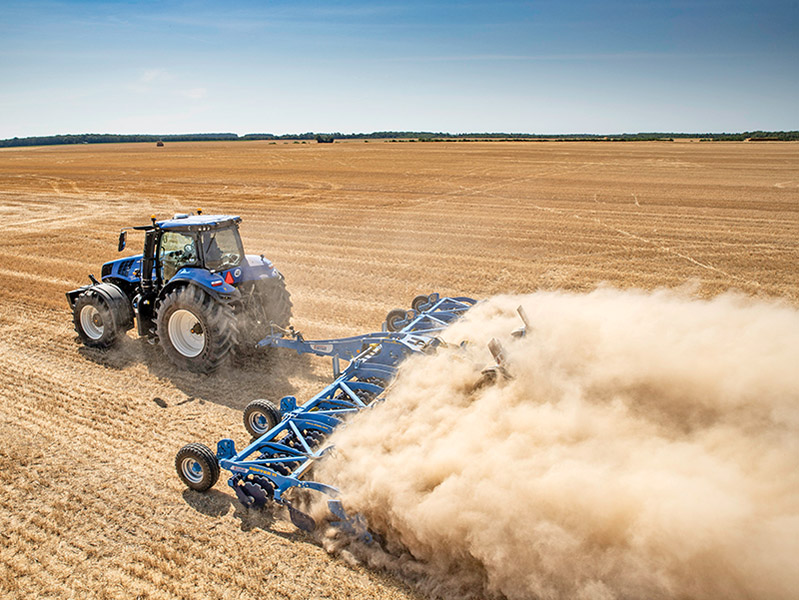 FOCUS ON THE NEW HOLLAND T8 GENESIS