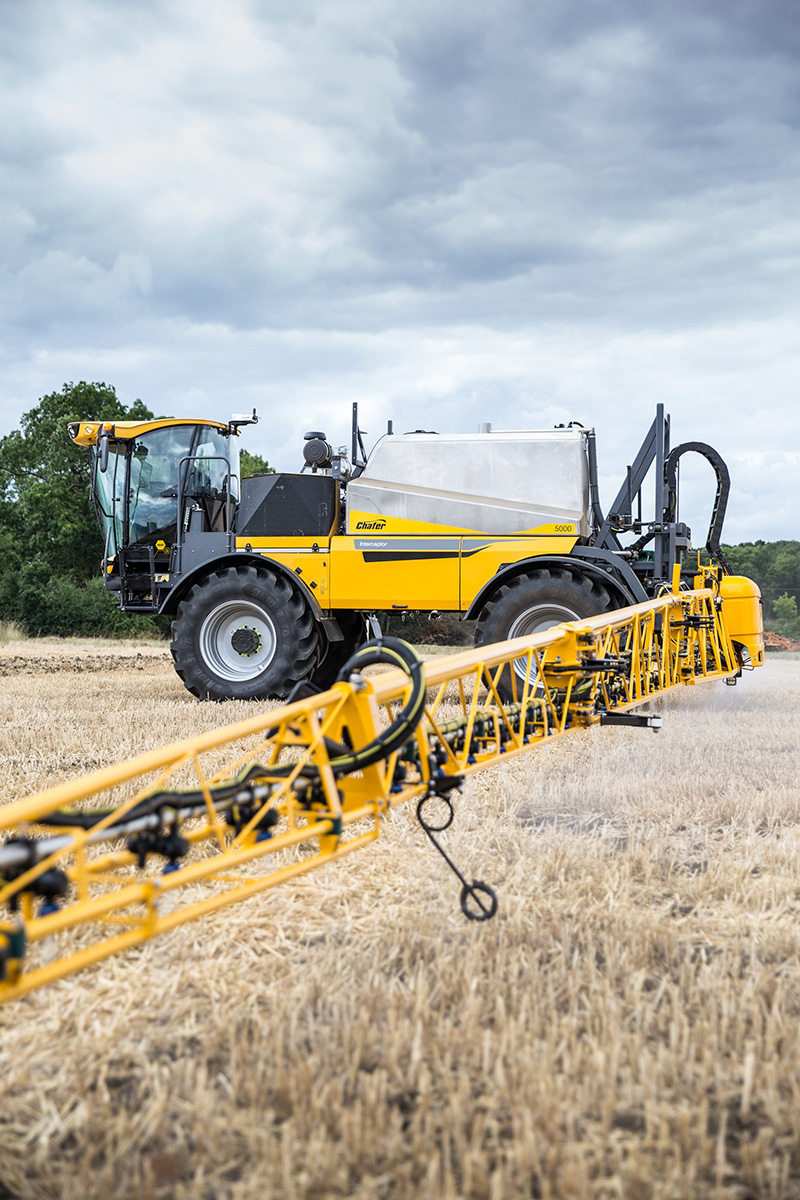 ADVANCED TRAILED OR MOUNTED SPRAYING WITH CHAFER