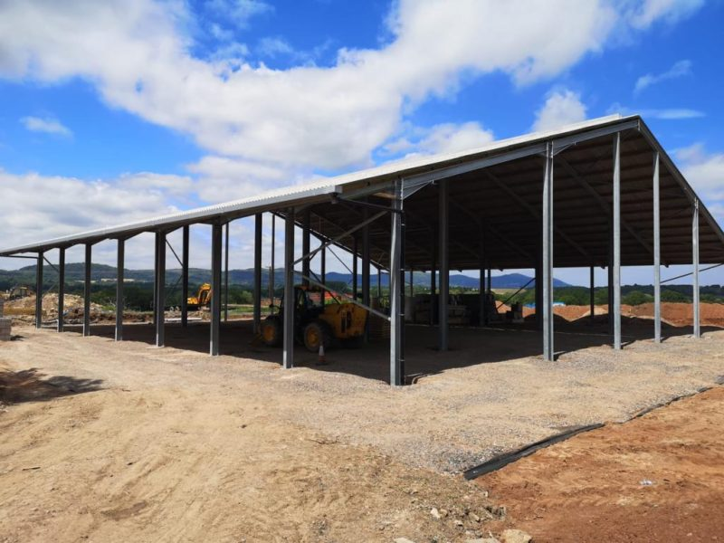 IMPRESSIVE NEW DELAVAL MILK PARLOUR BUILD FOR THE JEYNES FAMILY